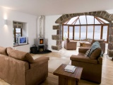 Boathouse: Sleeps 4